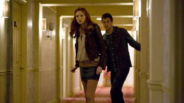 Amy and Rory in the hotel