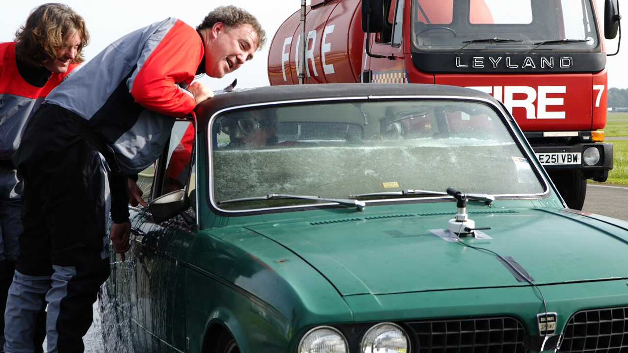 Richard's Triumph Dolomite Sprint fills with water