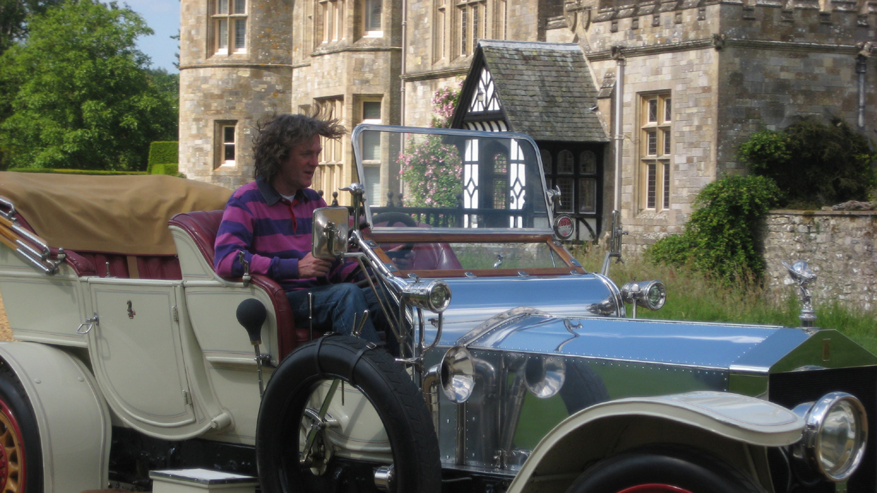 James drives an old-fashioned car
