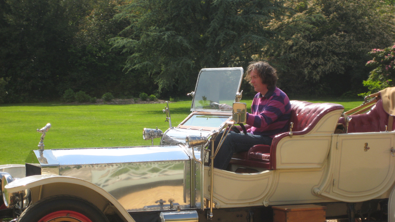 James tries out an old car at the Beaulieu Motor Museum