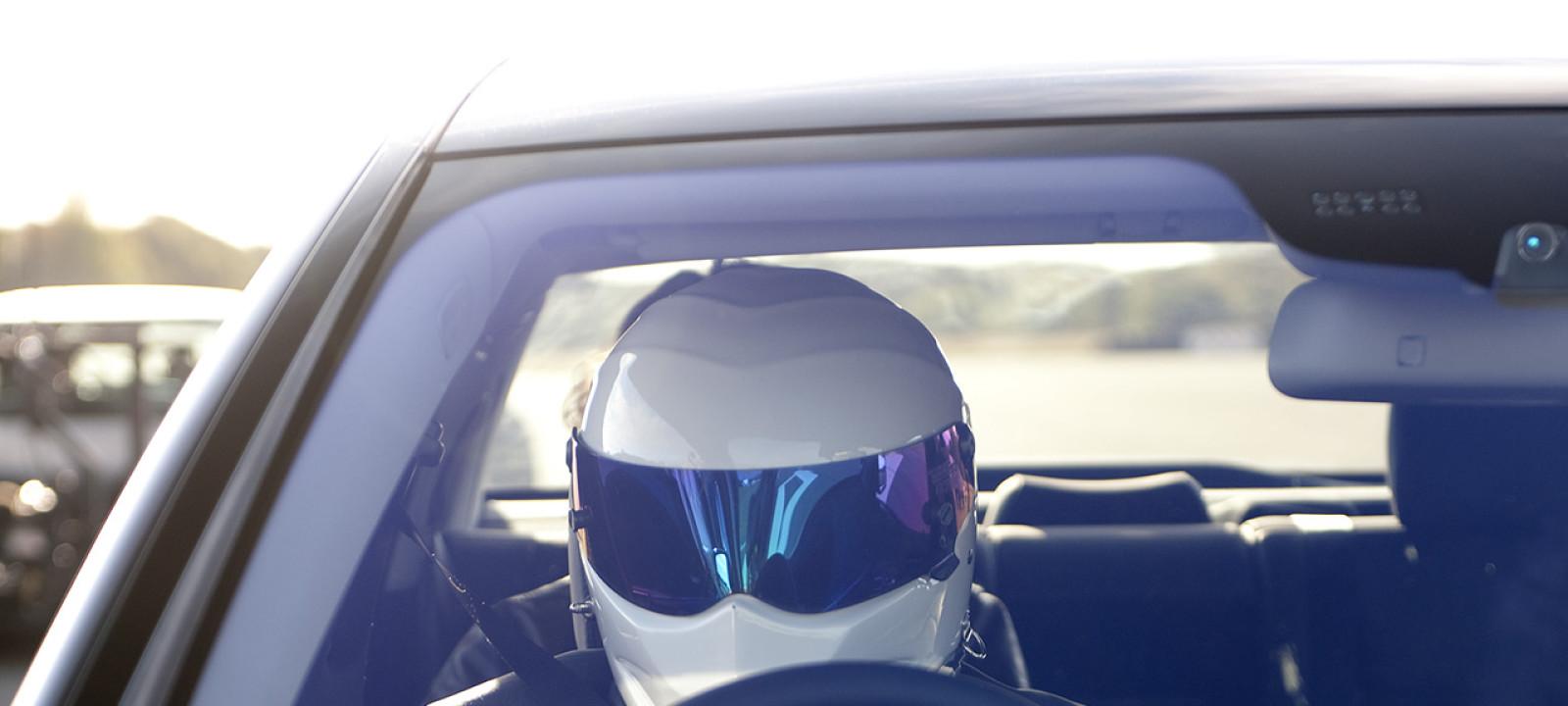 The Stig must slowly in the BMW 760Li