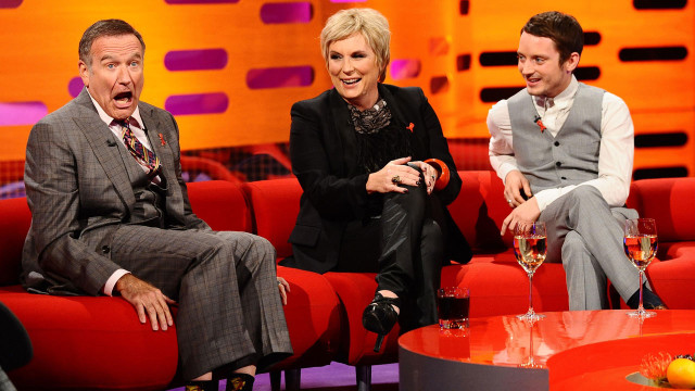 More hilarity ensues with Robin Williams, Jennifer Saunders and Elijah Wood during episode 5.