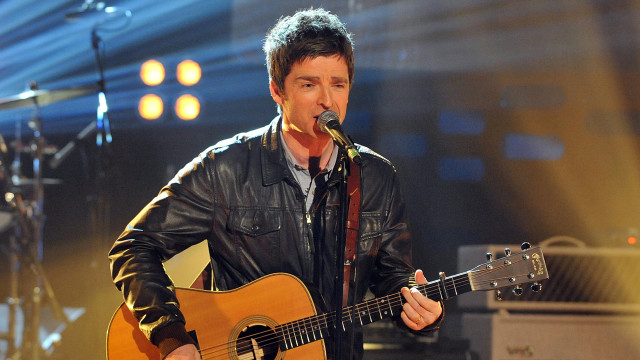 Former Oasis axeman Noel Gallagher brings his solo project, Noel Gallagher's High Flying Birds, to the stage.