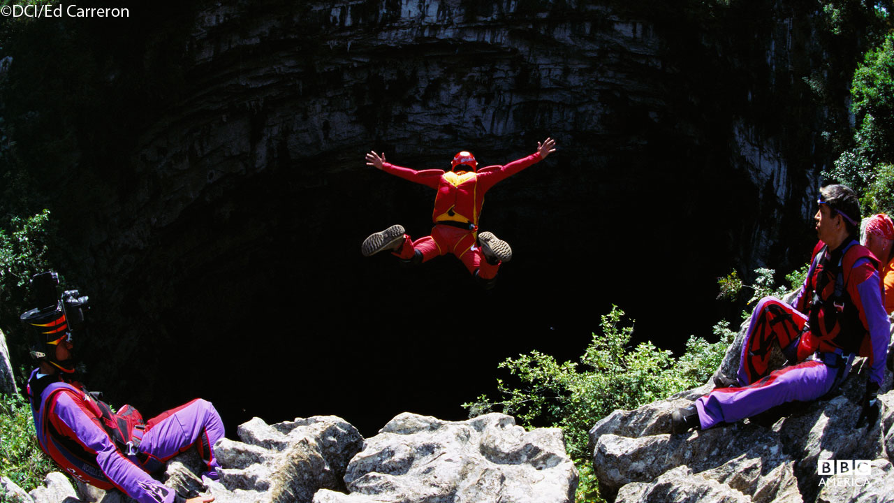 Base jumper at Cave of Swallows, Mexico.