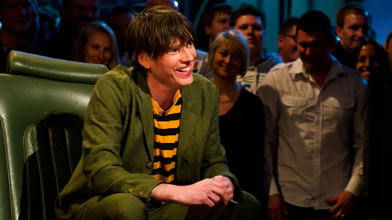'Blur' bassist Alex James is used to driving a mini van, but he attempted driving a Reasonably Priced Car nonetheless.