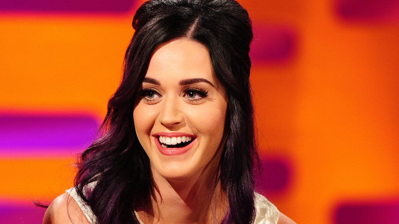 Katy Perry brings fireworks to the famous red couch.