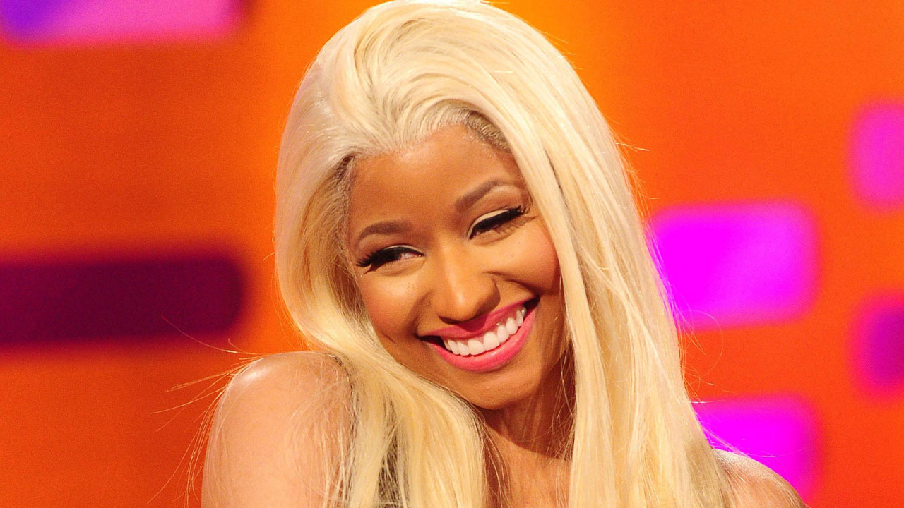 Nicki Minaj talks about kissing Madonna.