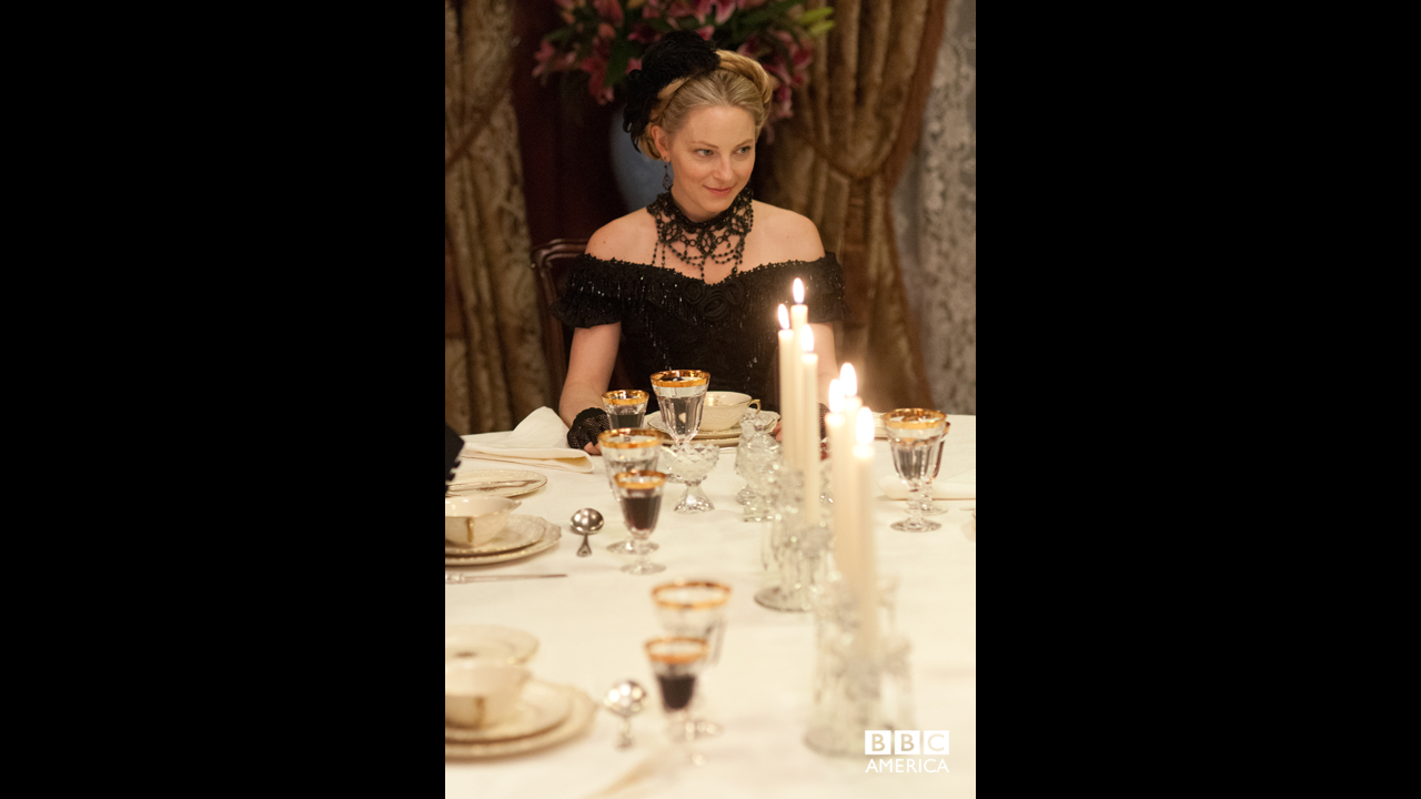 Elizabeth's dinner party is also held in Annie's honor, to celebrate her new place in society.