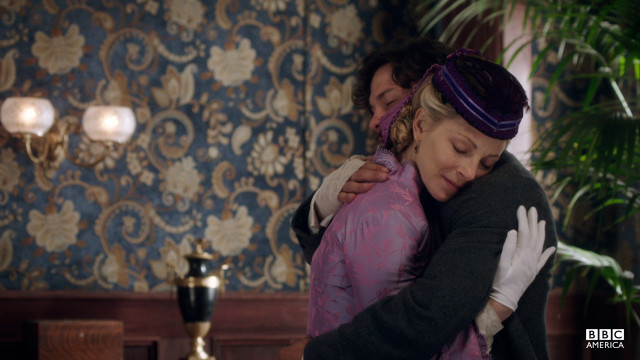 Elizabeth declares Morehouse her hero.
