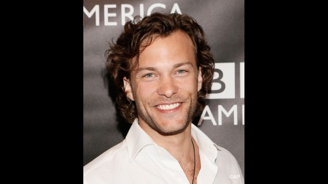'Copper' star Kyle Schmid turns on the charm.