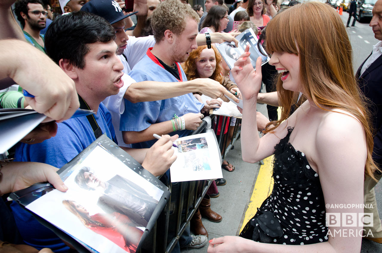 Karen chats with a fan. (Photo: Dave Gustav Anderson)