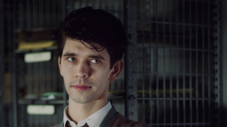 Freddie Lyon (Ben Whishaw) is left to run domestic news, a position which he considers inferior.