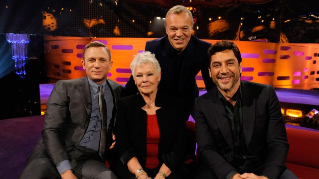 Daniel Craig, Dame Judi Dench and Javier Bardem are all smiles with Graham Norton.