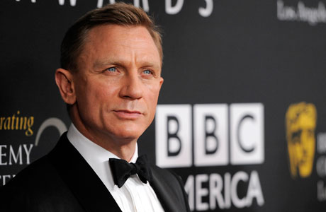 Ol' Blue Eyes: Daniel Craig brought Bond style to the Britannias. (Photo by Chris Pizzello/Invision/AP)