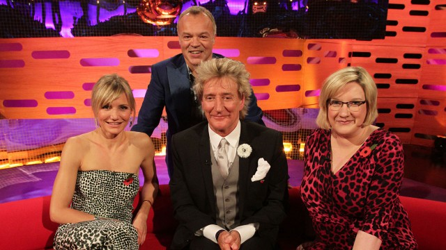Cameron Diaz, Rod Stewart and Sarah Millican join Graham for a photo.