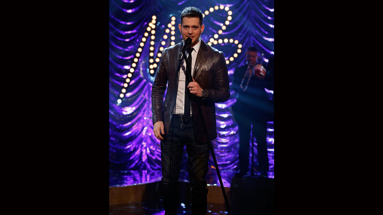 Michael Bublé, rockin' it on stage.