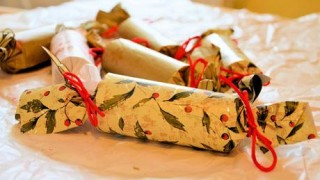 Christmas Crackers 460X300