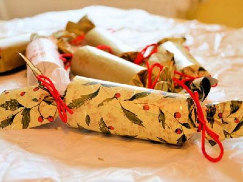 Christmas Crackers 460X300