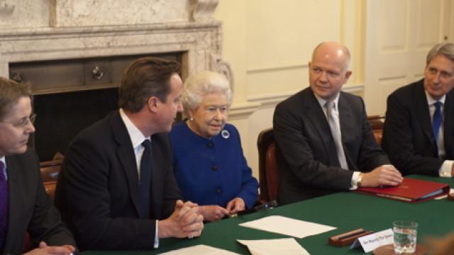 Queen_cabinet