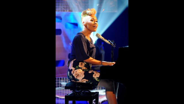 Singer Emeli Sandé wows the audience.
