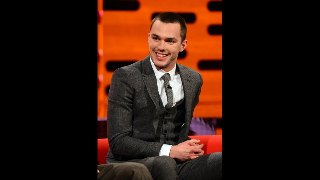 'Skins UK' and 'Warm Bodies' star Nicholas Hoult is looking sharp as he chats with Graham.