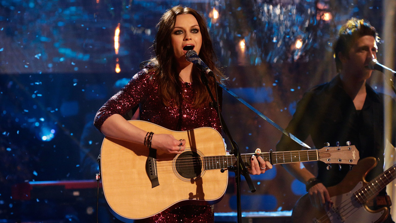 Amy MacDonald plays some new music on 'The Graham Norton Show.'