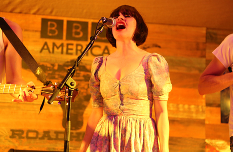 Lorna Thomas of Skinny Lister. (Photo: Kerry Gray/Getty Images)