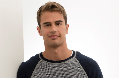 Theo James (Photo: Scott Gries/Invision/AP Images)