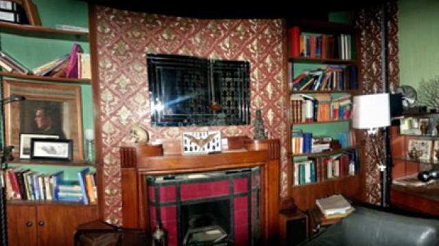 Sherlock Set Photo