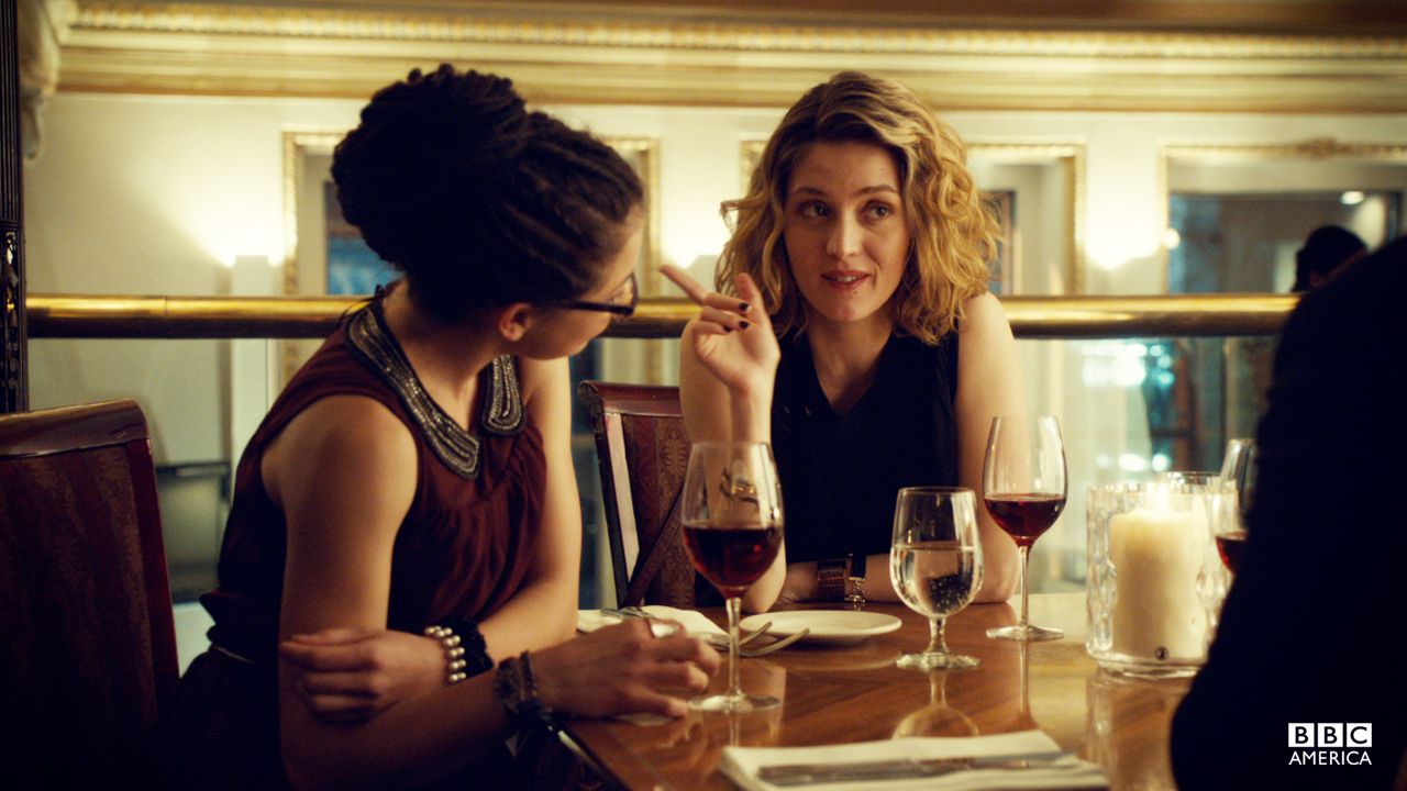 Against Sarah's warnings, Cosima gets closer to Delphine.