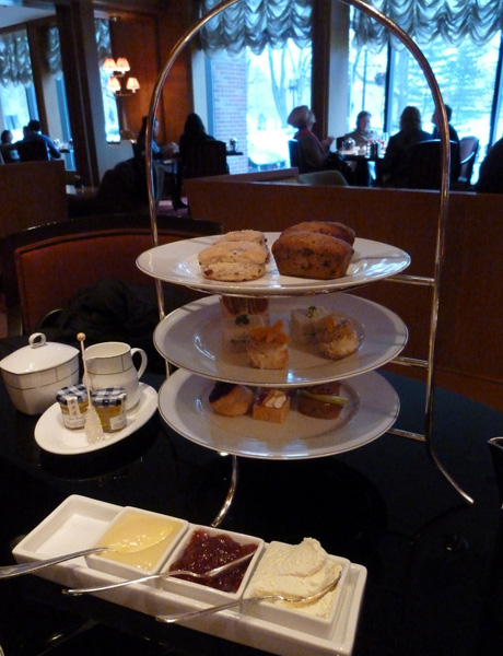 Unwind after a long morning with afternoon tea. (Flickr)
