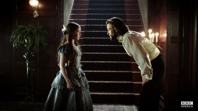Robert finds Annie after the wedding.