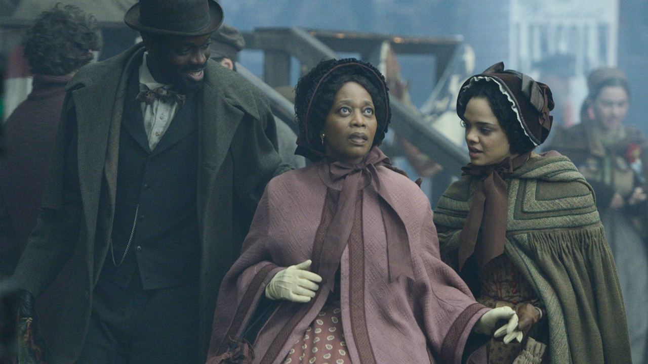 Alfre Woodard portrays Hattie Lemaster, a former slave recently arrived to Five Points to start anew with her daughter Sara Freeman.