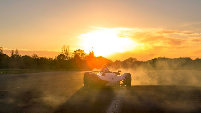 Jeremy Clarkson driving the BAC Mono on the Top Gear Test Track