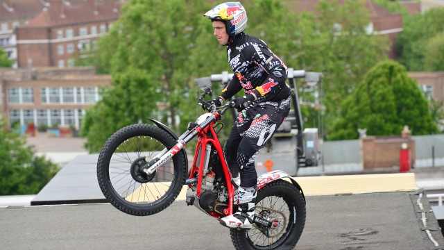 Dougie Lampkin riding through BBC Television Centre