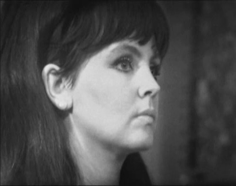 Pauline Collins as Samantha Briggs