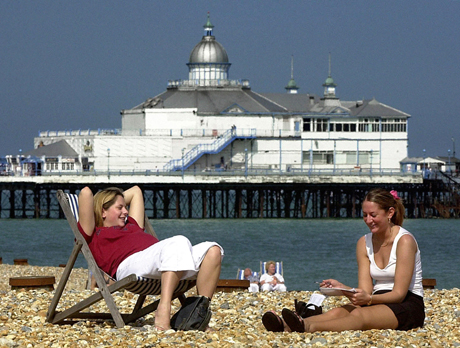 Eastbourne (AP)