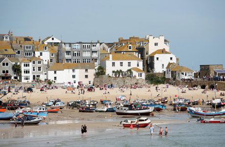 The cornish fishing village in St. Ives, Cornwall ... (AP