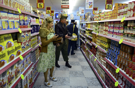 Remember strolling the aisles of Tesco? U.S. supermarkets differ in several ways. (Photo: Rex Features via AP Images)