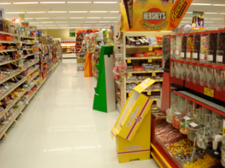 A U.S. candy aisle of a supermarket. (Photo via Creative Commons)