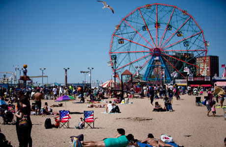 Coney Island. (Photo: AP/John Minchillo)