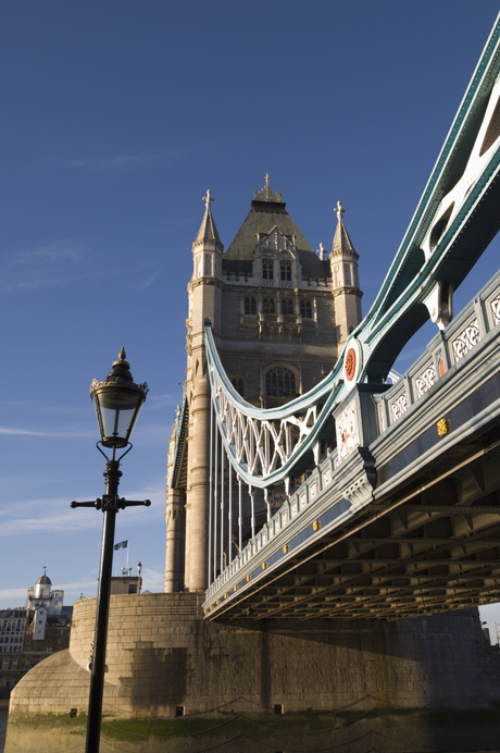 Tower Bridge, River Thames, London, England. (AP/Amanda Hall/Robert Harding)