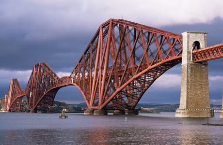 Forth railway bridge, Queensferry, Edinburgh, Lothian, Scotland. (AP/Neale Clarke/Robert Harding)