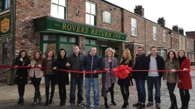 The cast of 'Coronation Street' unveil the show's new set (Photo: WENN)