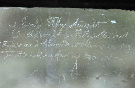 No paper, no problem. Burns turned to a glass window in his local pub and wrote out a short poem. (VS)