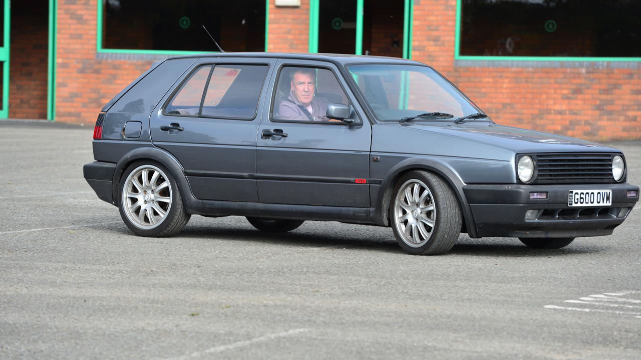 Jeremy Clarkson driving a Volkswagen Golf GTi Mk2.