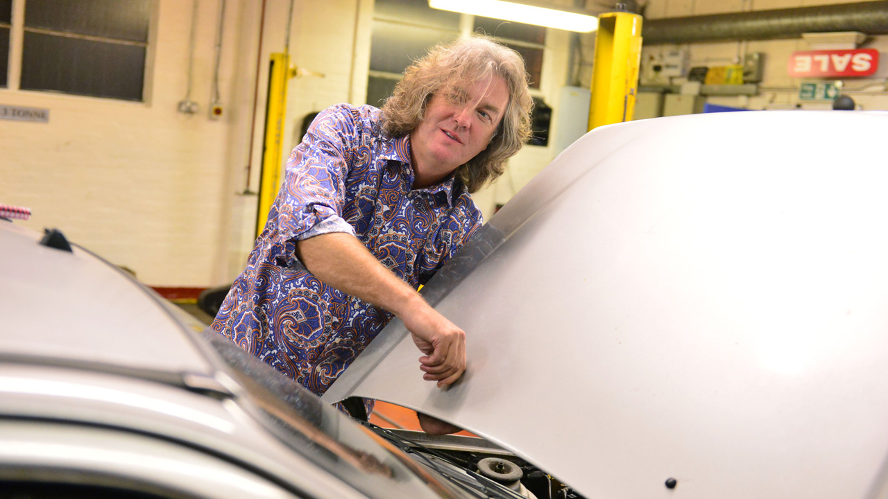 James May modifying his Ford Fiesta XR2i.