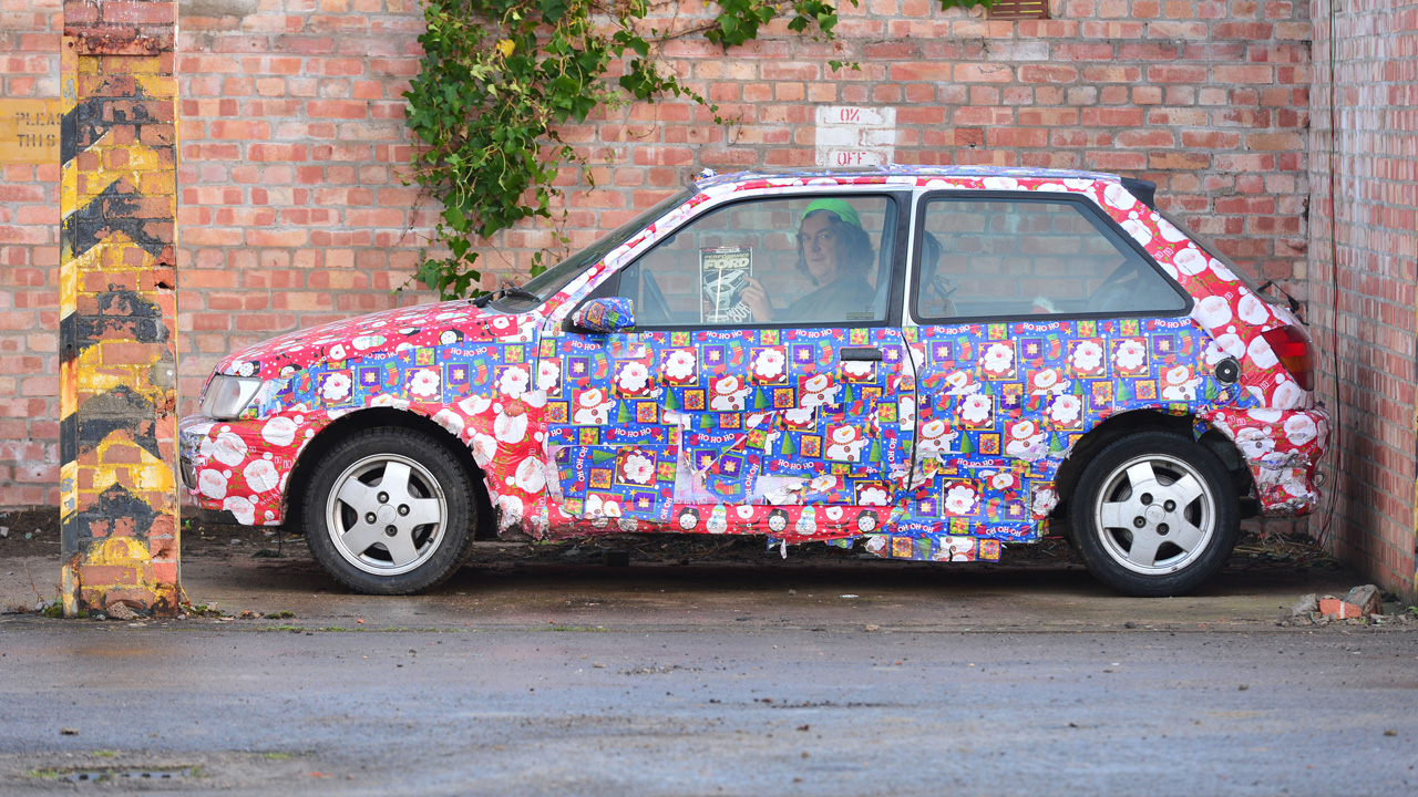 James May hiding in his Ford Fiesta XR2i.
