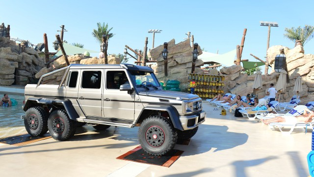 Richard Hammond driving through Yas Waterworld in the Mercedes Benz G63 6x6 in Abu Dhabi