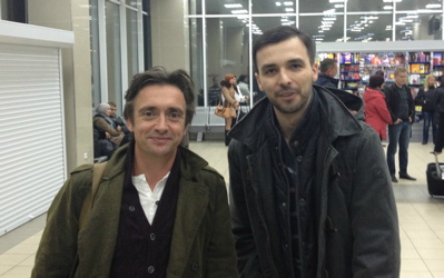Richard Hammond with fan in Ukrainian airport (imgur.com)